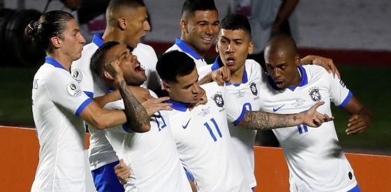 Brazil - Bolivia 3-0: Coutinho ghi cú đúp, Everton lập siêu phẩm ảnh 10