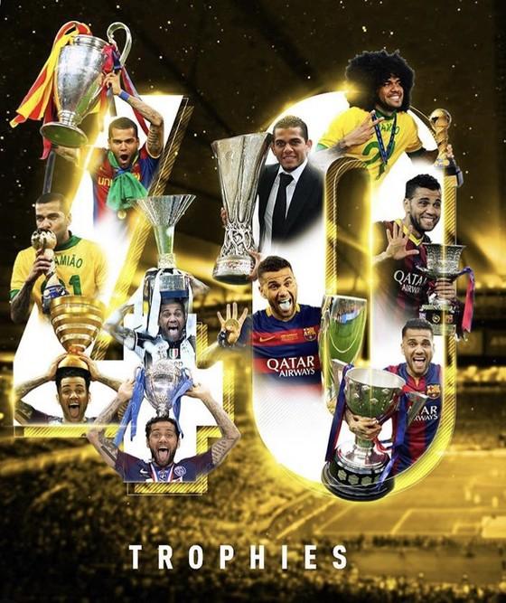 Vượt xa Messi và Ronaldo, Dani Alves ghi kỷ lục thắng 40 danh hiệu ảnh 2