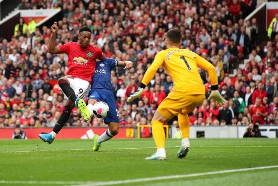 Man United - Chelsea 4-0: Rashford, Martial, James tỏa sáng, Quỷ đỏ vùi dập The Blue ảnh 10