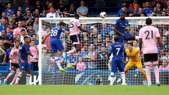 Chelsea - Leicester City 1-1, Mount mở tài khoản, Lampard có điểm đầu tiên ảnh 9