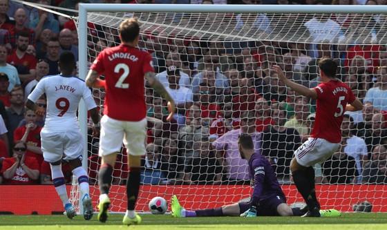 Man United - Crystal Palace 1-2: Sụp đổ phút cuối cùng ảnh 6
