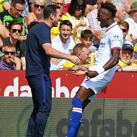 Norwich City - Chelsea 2-3: Abraham ghi cú đúp, Lampard giành chiến thắng đầu tay ảnh 9