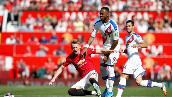 Solskjaer sẽ không đưa Man United trở lại đỉnh cao ảnh 1