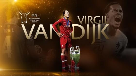 Barca, Dortmund, Inter vào bảng tử thần, Van Dijk giành 2 giải thưởng ảnh 3