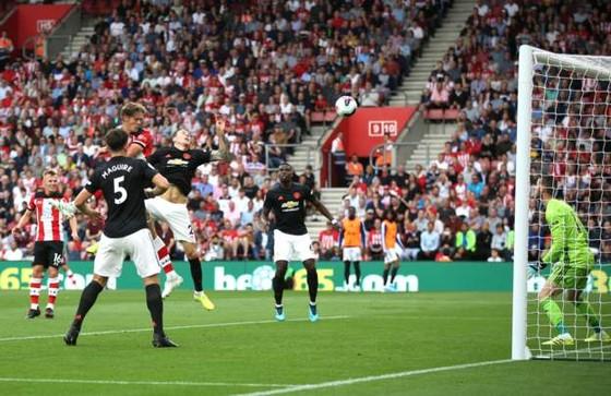 Southampton - Man United 1-1: Daniel James tỏa sáng, Quỷ đỏ đánh rơi chiến thắng ảnh 6
