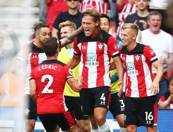 Southampton - Man United 1-1: Daniel James tỏa sáng, Quỷ đỏ đánh rơi chiến thắng ảnh 7
