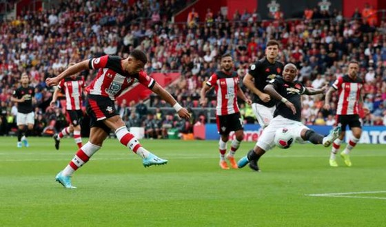 Southampton - Man United 1-1: Daniel James tỏa sáng, Quỷ đỏ đánh rơi chiến thắng ảnh 5