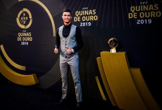 Ronaldo ghi kỷ lục 10 lần thắng giải Cầu thủ xuất sắc nhất Bồ Đào Nha ảnh 2