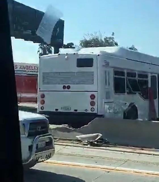Đâm xe liên hoàn tại Los Angeles, khoảng 40 người bị thương ảnh 3