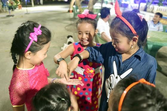 Những đứa trẻ của Trường Sa ảnh 2