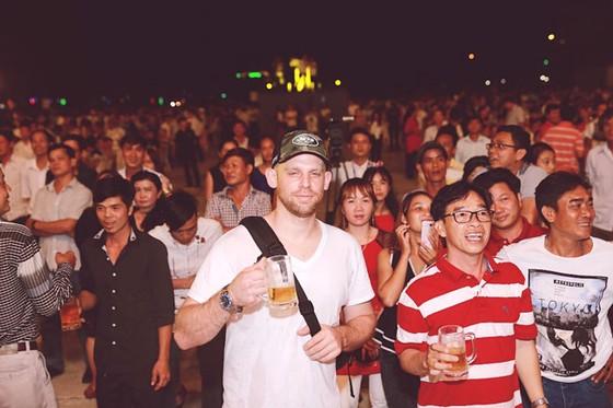 """Trải nghiệm lễ hội bia """"đích thực"""" tại Trà Vinh cùng Sư Tử Trắng ảnh 3"""