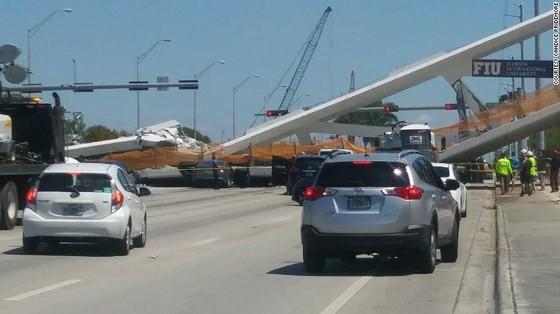 Sập cầu ở Florida, ít nhất 4 người thiệt mạng ảnh 1