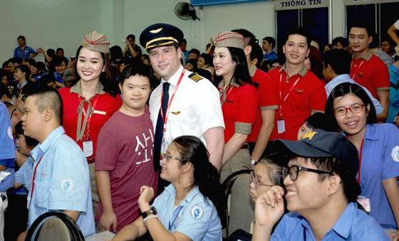 CBNV HDBank, Vietjet chắp cánh ước mơ cho người khuyết tật ảnh 9
