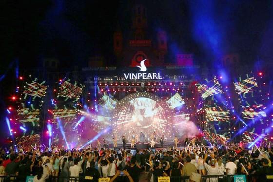 Hàng ngàn khán giả Vinpearl cháy hết mình cùng đêm nhạc Boney M ảnh 8