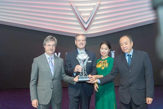 """VinFast được vinh danh giải thưởng """"Ngôi sao mới"""" tại Paris Motor Show  ảnh 1"""