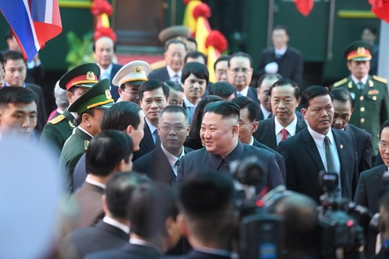 Chủ tịch Kim Jong-un đã lên xe về Thủ đô Hà Nội ảnh 2