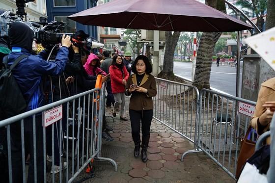 Chủ tịch Kim Jong-un đã lên xe về Thủ đô Hà Nội ảnh 16