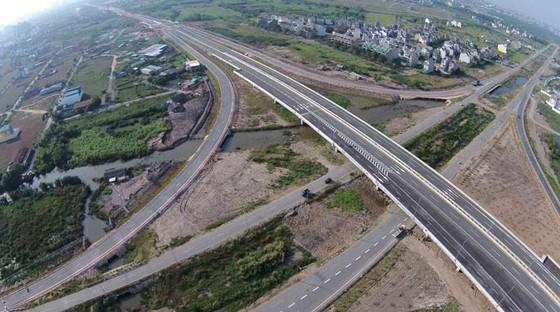 Phát triển đô thị vệ tinh khu Đông: Hướng giảm tải tối ưu TPHCM ảnh 1