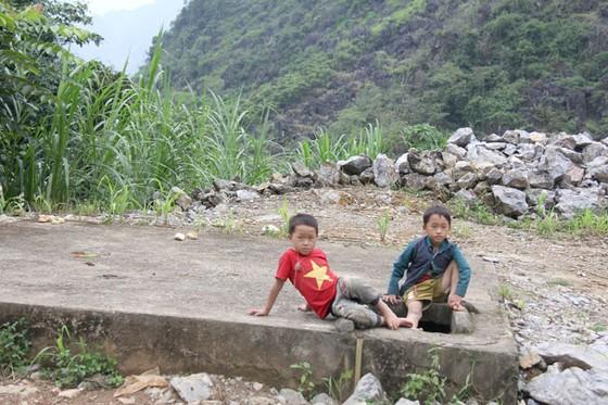 Trẻ em miền cao nguyên đá ảnh 8