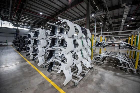 Khám phá bên trong nhà máy sản xuất ô tô VinFast ảnh 9
