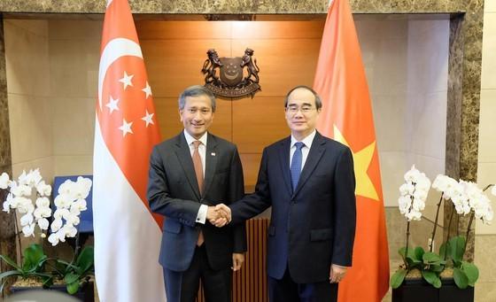 Bí thư Thành ủy TPHCM Nguyễn Thiện Nhân tìm hiểu kinh nghiệm starup từ Singapore ảnh 2