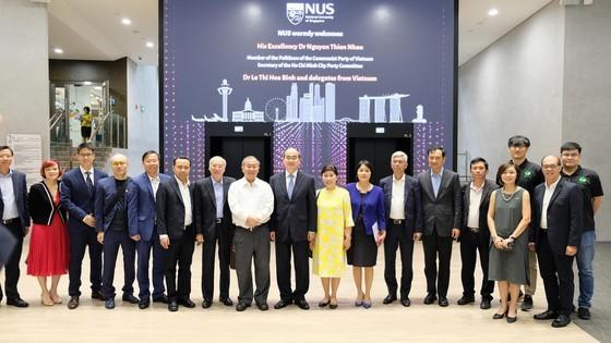 Bí thư Thành ủy TPHCM Nguyễn Thiện Nhân tìm hiểu kinh nghiệm starup từ Singapore ảnh 6
