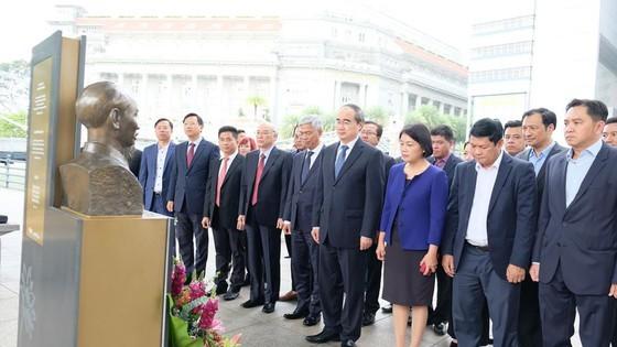 Bí thư Thành ủy TPHCM Nguyễn Thiện Nhân tìm hiểu kinh nghiệm starup từ Singapore ảnh 5