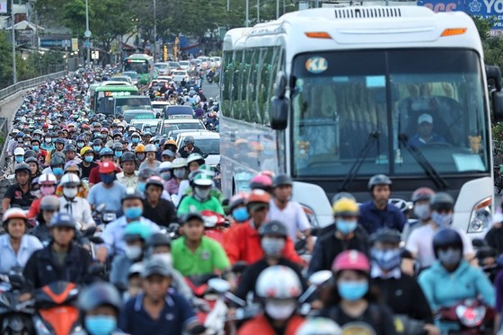 Cầu Kênh Tẻ - nút thắt kẹt xe ở Sài Gòn