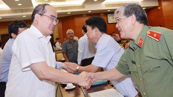 Bí thư Thành ủy TPHCM Nguyễn Thiện Nhân gợi ý giải pháp sáng tạo ảnh 2