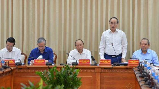 TPHCM nêu 13 kiến nghị với Bộ Chính trị, Chính phủ và Thủ tướng Chính phủ ảnh 2