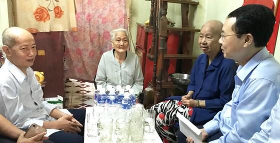Lãnh đạo TPHCM thăm gia đình có công, thương binh nặng đặc biệt ảnh 2