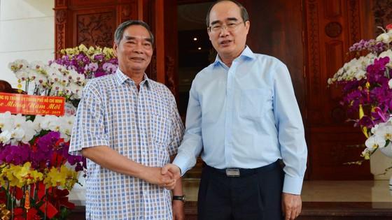 Bí thư Thành ủy TPHCM Nguyễn Thiện Nhân thăm, chúc tết Nhà tình báo huyền thoại ảnh 1