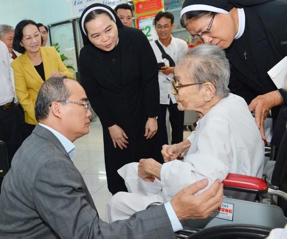 Bí thư Thành ủy TPHCM Nguyễn Thiện Nhân: Giữ nguyên những công trình văn hóa, lịch sử ảnh 5