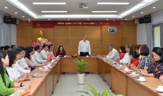 Bí thư Thành ủy TPHCM Nguyễn Thiện Nhân giao nhiệm vụ trong ngày làm việc đầu năm ảnh 1