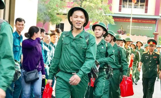Gần 4.400 thanh niên TPHCM lên đường nhập ngũ ảnh 8
