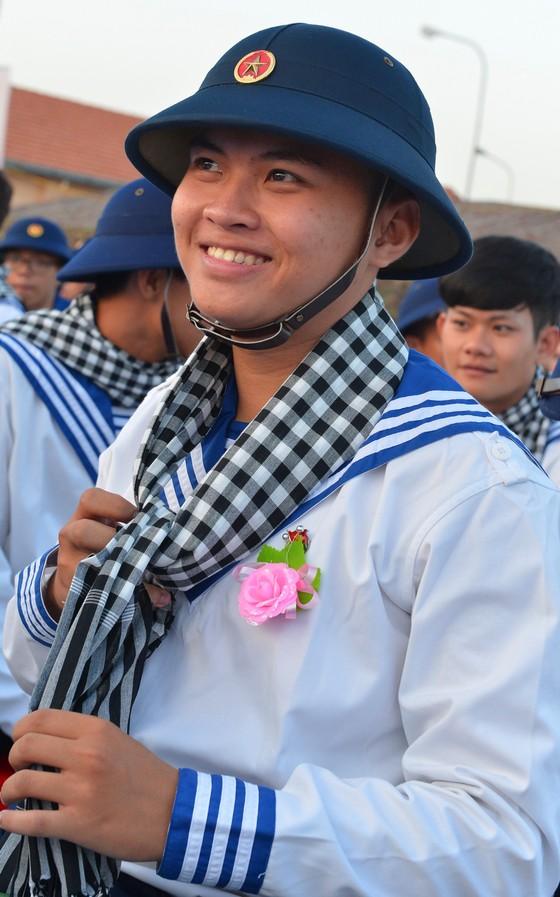Gần 4.400 thanh niên TPHCM lên đường nhập ngũ ảnh 12