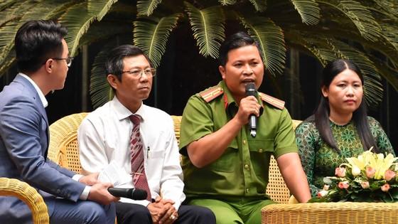 Bí thư Thành ủy TPHCM Nguyễn Thiện Nhân: Lấy sự hài lòng của người dân làm thước đo thi đua ảnh 2