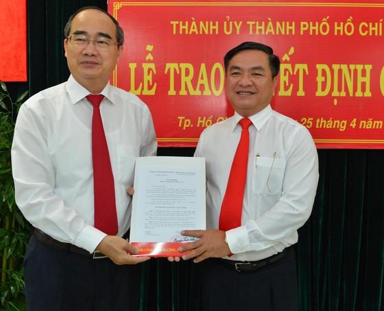 Giám đốc Sở Xây dựng Trần Trọng Tuấn làm Bí thư Quận ủy quận 3 ảnh 1