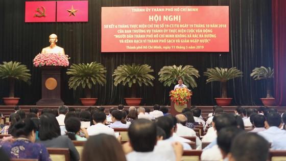 Bí thư Thành ủy TPHCM Nguyễn Thiện Nhân: Ghi hình người xả rác để phạt đã làm được chưa? ảnh 1