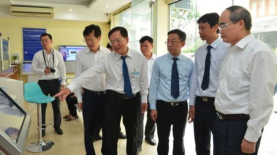 Bí thư Thành ủy TPHCM Nguyễn Thiện Nhân: Lấy ý kiến của người dân đánh giá về kết quả chống ngập ảnh 3