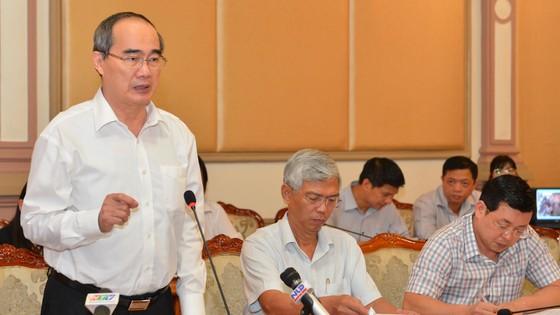 Bí thư Thành ủy TPHCM Nguyễn Thiện Nhân nghe đề xuất biến bãi rác ô nhiễm thành đô thị xanh ảnh 1