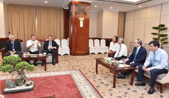 Bí thư Thành ủy Nguyễn Thiện Nhân: Cần hình thành một chiến lược phát triển cây xanh TPHCM ảnh 7
