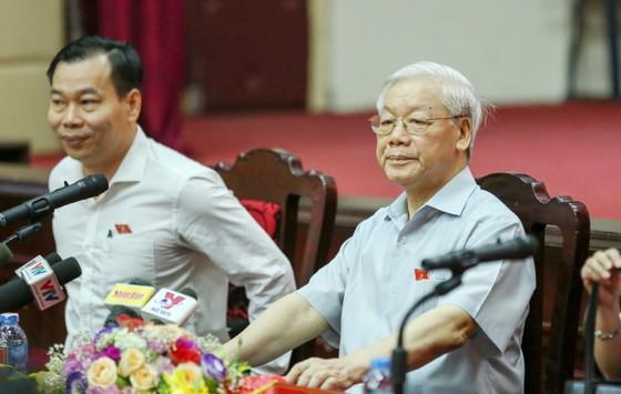 Tổng Bí thư: Mong cử tri hết sức tỉnh táo, tin tưởng sự lãnh đạo của Đảng, Nhà nước, Chính phủ ảnh 2