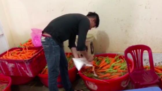 Bắt quả tang 4 cơ sở tẩy trắng hơn 6 tấn củ cải, cà rốt bằng hoá chất ảnh 2