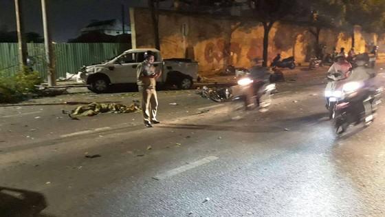 Vụ xe bán tải húc hàng loạt xe máy, 2 người chết: Tài xế đạp nhầm chân ga ảnh 3