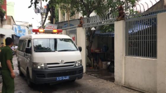Vụ hai cha con ở quận Tân Bình nghi bị sát hại tại nhà: Cha giết con rồi tự sát? ảnh 1