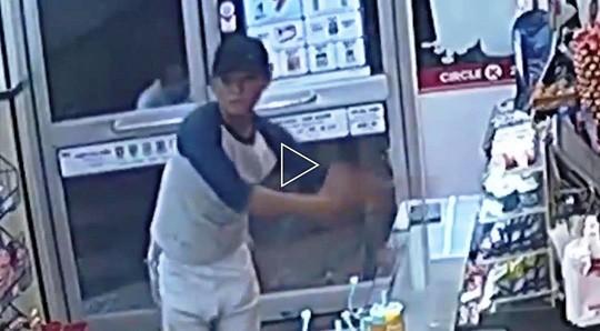 Bắt nhóm đối tượng thực hiện nhiều vụ cướp tại cửa hàng tiện ích ảnh 2