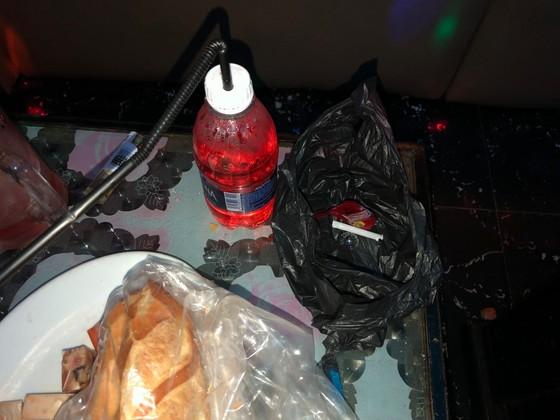 Kiểm tra quán karaoke ở quận 5, phát hiện 16 người nghi sử dụng ma tuý ảnh 5