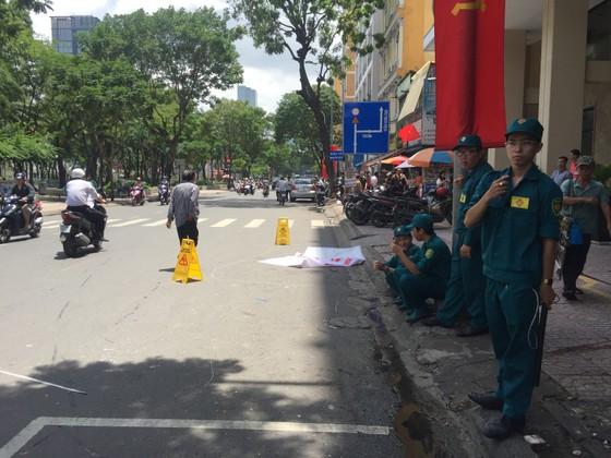 Du khách nước ngoài gieo mình từ tầng cao khách sạn trung tâm quận 1 tử vong ảnh 1