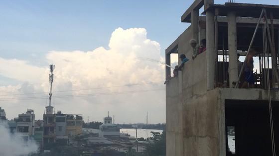 Cháy nhà dân ở chân cầu Bình Lợi, Bình Thạnh ảnh 7